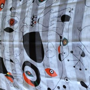 This scarf features 1950s atomic design
